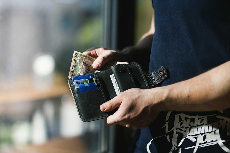 想借錢又急需用錢怎麼辦?教你在台中汽車借款免留車!